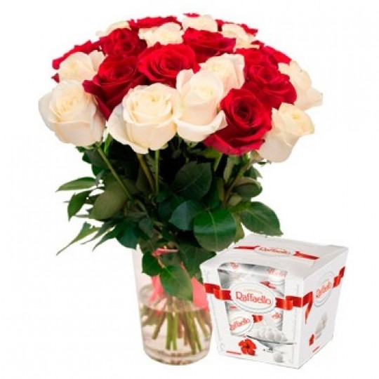 Red and white roses 50 cm with Rafaelo (variable quantity of flowers)